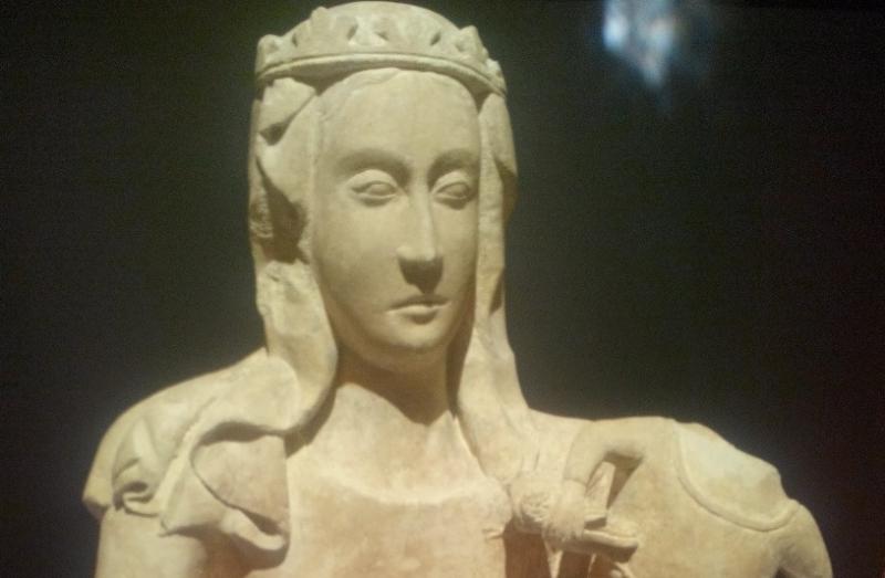AVE, O MARIA, ESSENZA FEMMINILE DI DIO